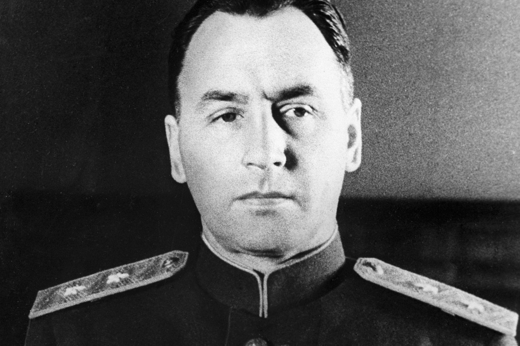 В Гродно хотят установить бюст генералу Антонову